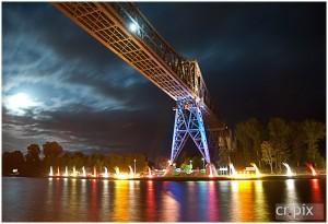 Eisenbahnhochbrücke Rendsburg illuminiert während der NOK Romantika 2009